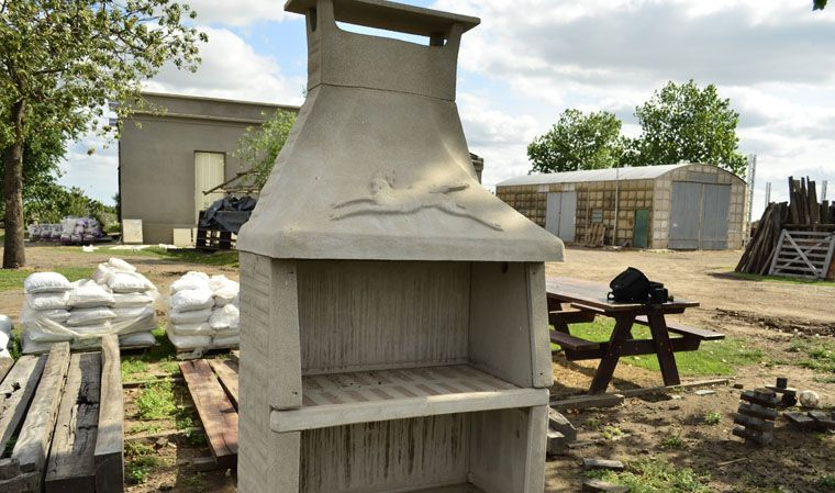 Productos corral n don pica rafaela santa fe for Asadores de piedra para jardin